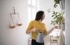 Aktuelle Verbraucherfrage: Wer haftet, wenn bei der Nachbarschaftshilfe etwas zu Bruch geht?